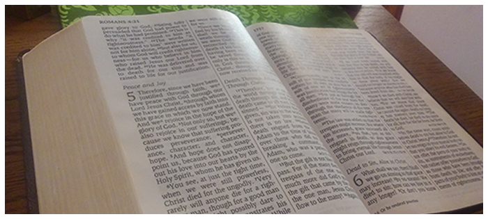 Slideshow-bible-on-lecturn - St  Stephens Evangelical